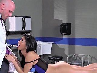 Veronica Rodriguez Fucks Her Doctor Brazzers